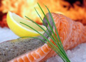 Vollwertige Mahlzeit: Leckerer Lachs